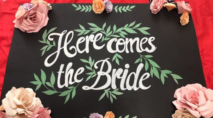 wedding_here_comes_the_bride_signage_1549427745_29f1ec22_progressive-702x390 Here Comes the Bride (Easy)